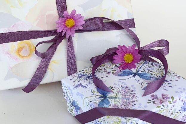 Little Details In Giftwrap