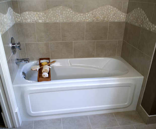 How To Re-Caulk A Bathtub