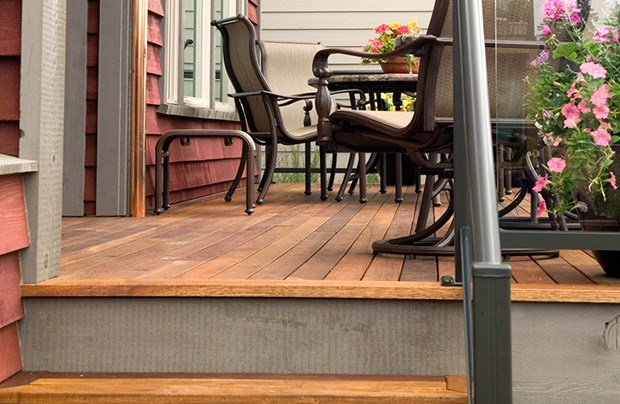 DIY Tips For How To Build A Redwood Deck