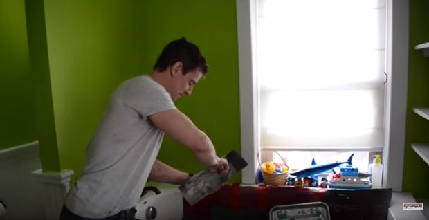 Video: How To Clean Up After A Paint Project
