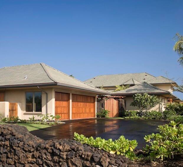 Detached Vs. Attached Garages: Which Is Right For You?