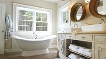 How To Create The Perfect Farmhouse Style Bathroom