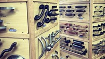 The Kitchen Cabinet Hardware Guide