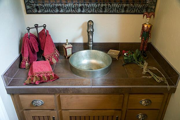 Fall Bathroom-Linen