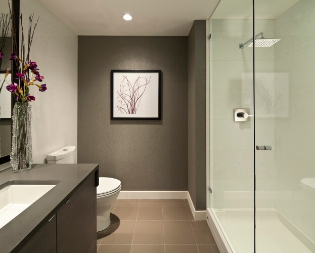 Bathroom With Accent Wall