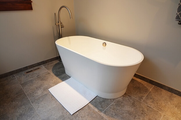 Modern Free Standing Tub