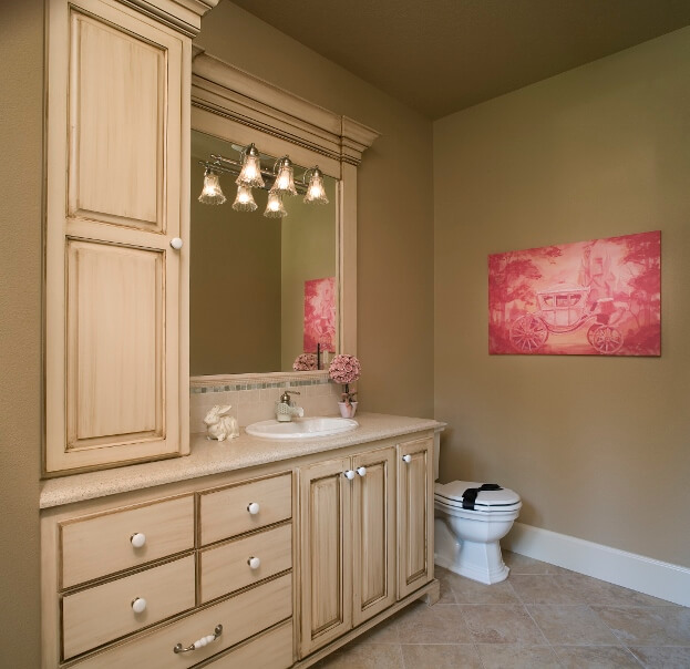 Neutral and Bright bathroom