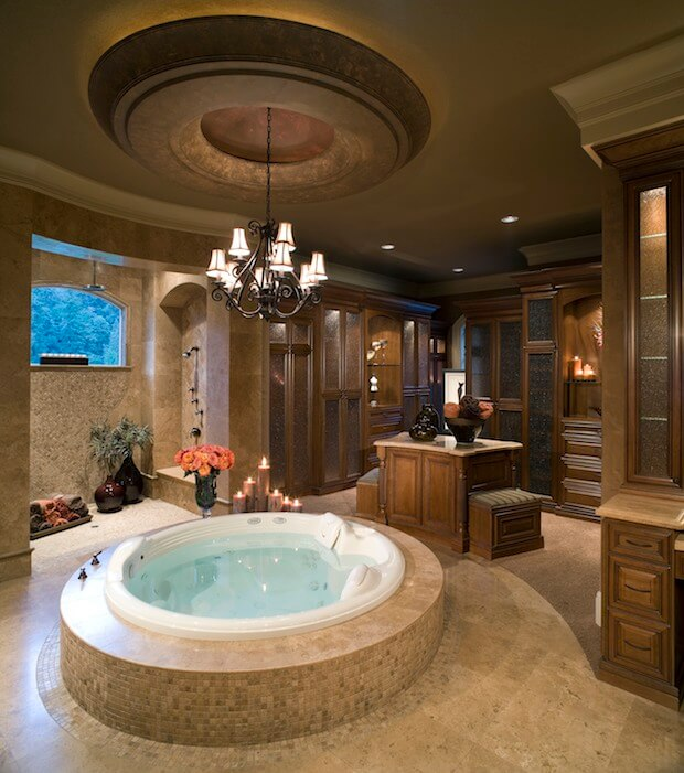 8 luxury master bathrooms every couple dreams of for Hot bathroom