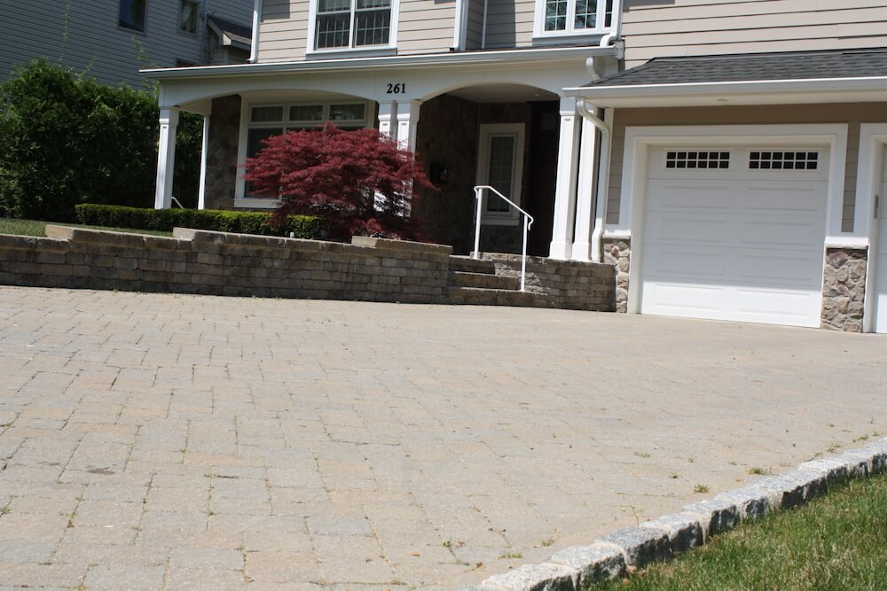 2017 driveway pavers cost per square foot pavers driveway for Square foot price to build a garage