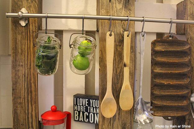Small Kitchen Storage-Wall Pallet