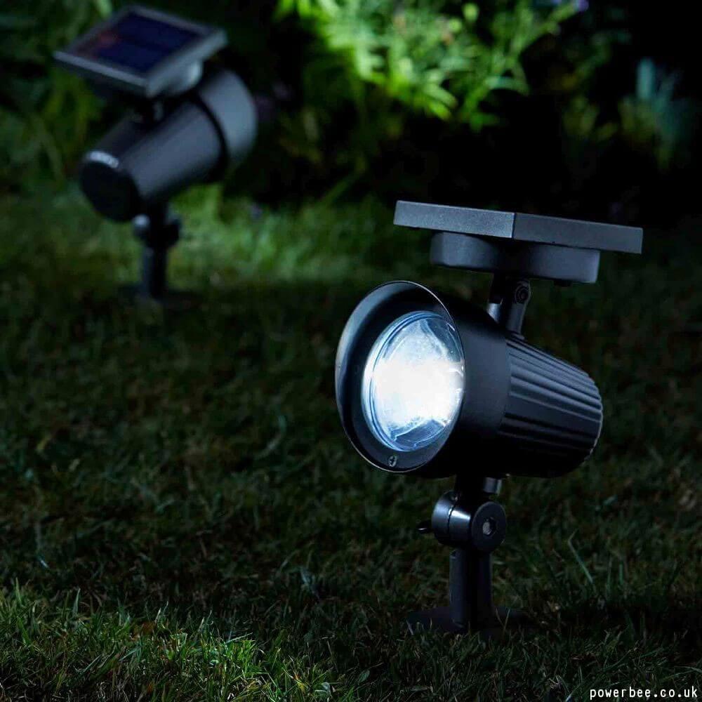 Solar landscape lighting ideas outdoor solar lights for Outdoor lighting spotlights