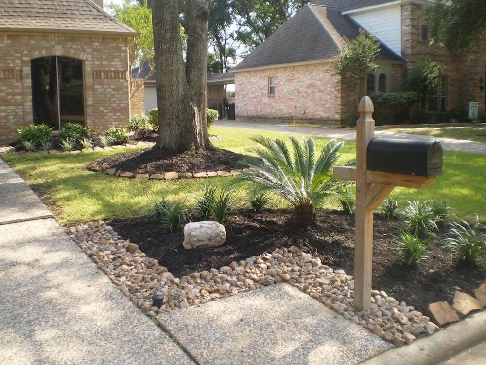 Landscaping Rock Vs Mulch : Landscaping rock prices decorative types