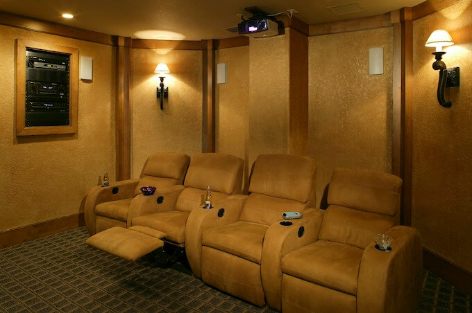 Advantages of Home Theater Accessories