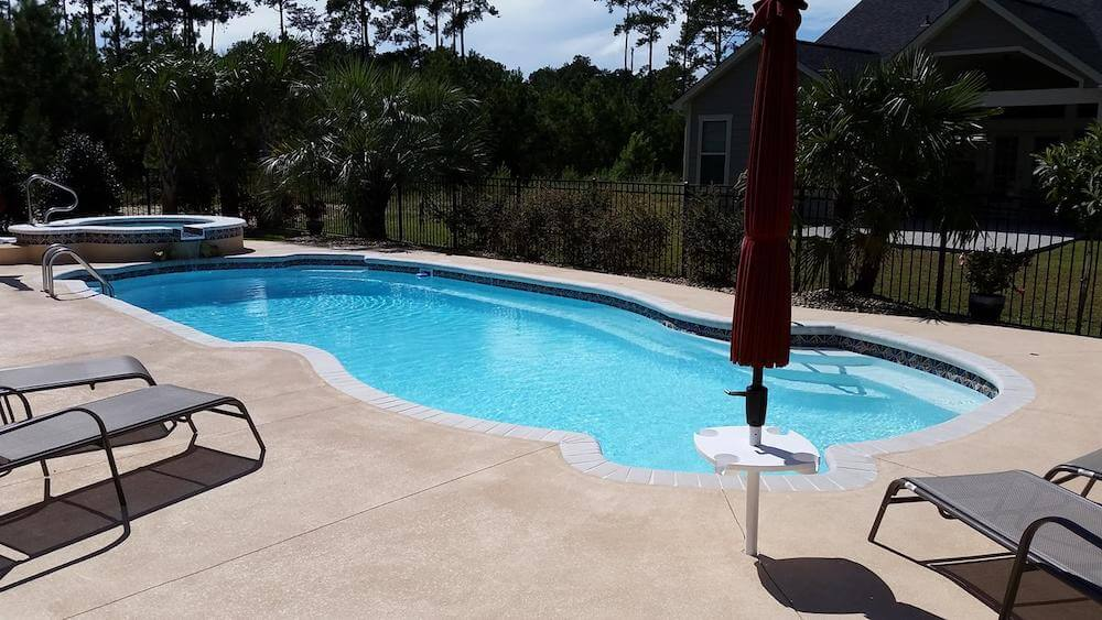2017 fiberglass pool cost cost of fiberglass pools for Swimming pool cost calculator